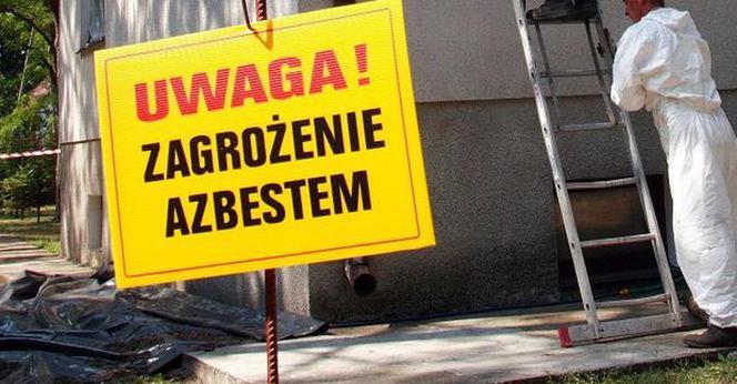 Zdjęcie: Uwaga! Zagrożenie azbestem.