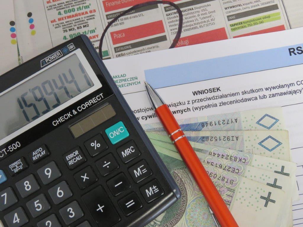 Zdjęcie - kalkulator, długopis, dokumenty