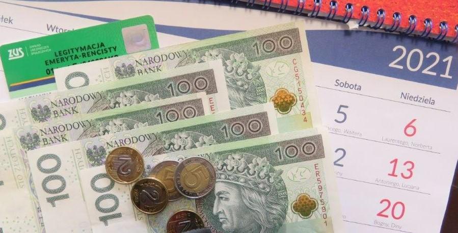 zdjęcie - pieniądze, kalendarz